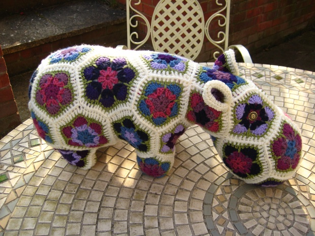 Yup, it's a hippy hippo.
